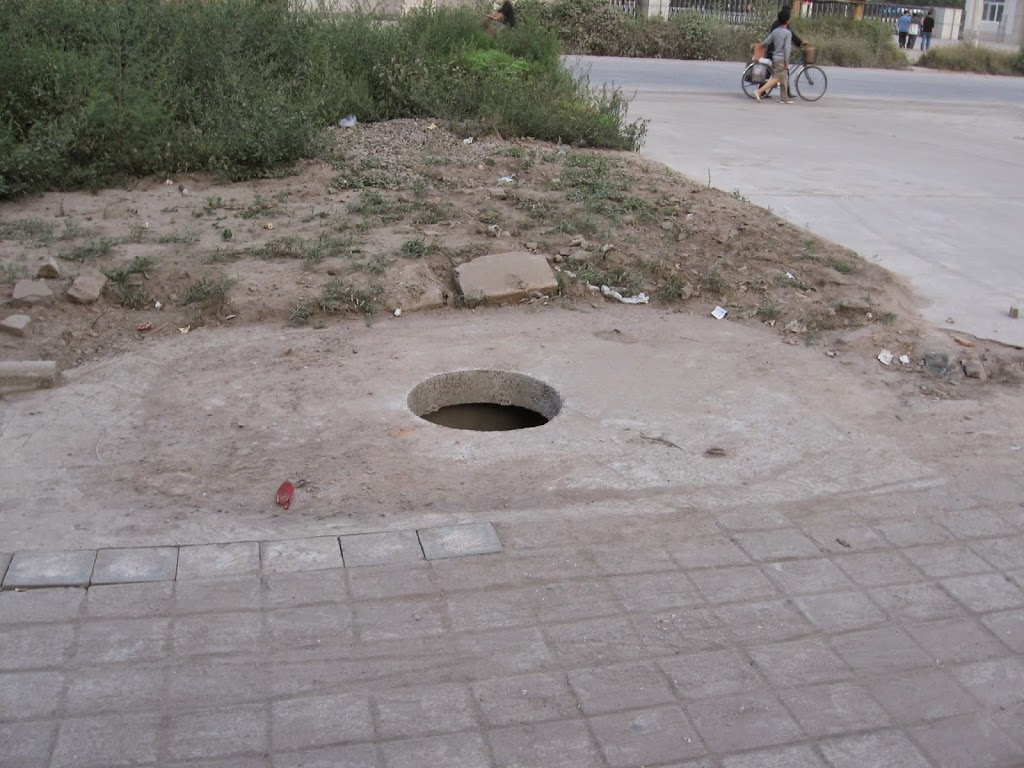 Chinese Sewers: Hang in there